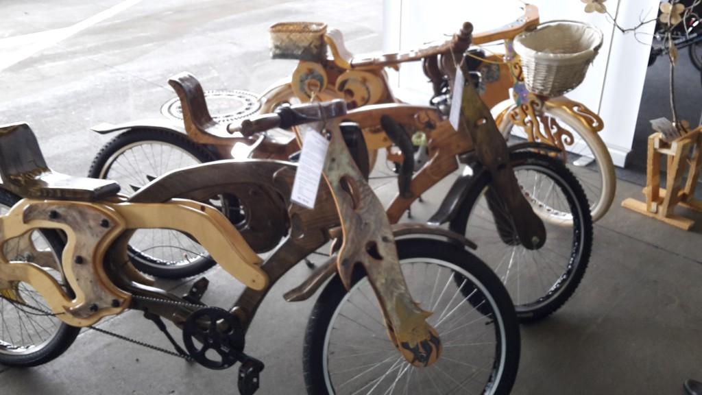 Fahrräder aus Holz